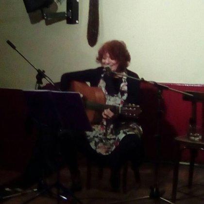 Julia León: recital en Libertad 8 (29/01/2018)